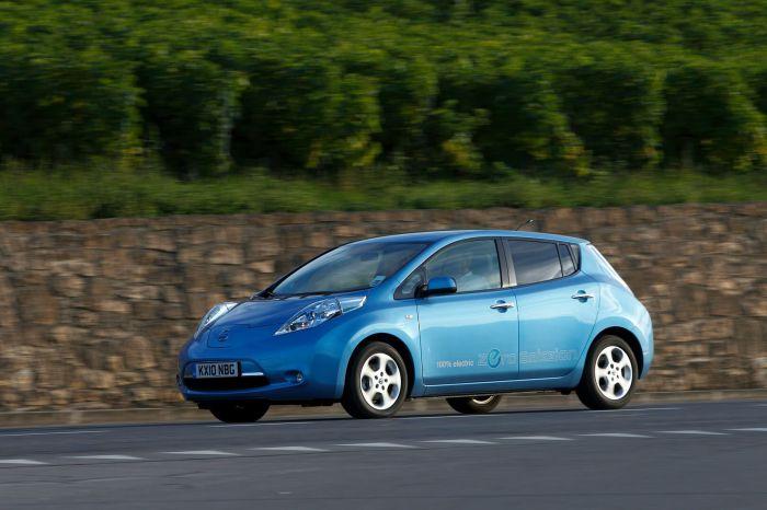 nissan-leaf-exterior-24kwh-2010-hevcars-14