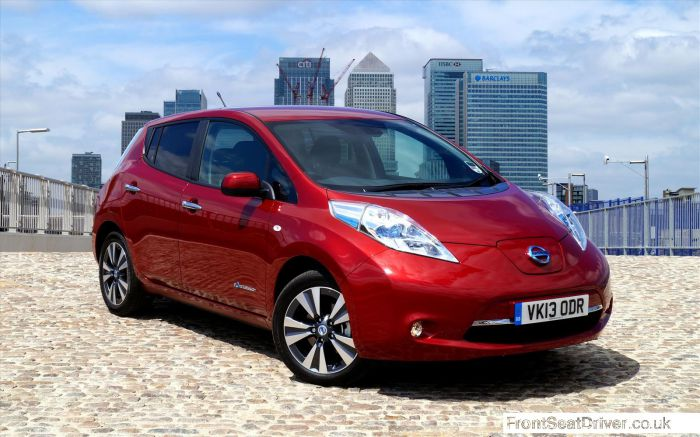 Nissan-LEAF-2013-Front-Right